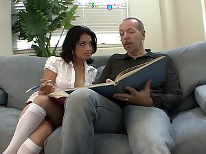 Heavy Hawkshaw loving young exotic slut Andrea Kelly is devoted of sucking cock and acquiring her pussy stretched