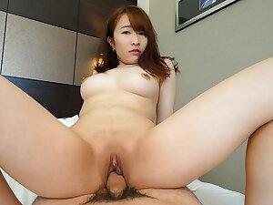 Japanese amateur Chikako Sakuri wants sex at hand men in guest-house