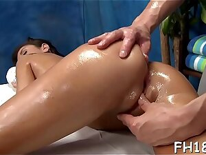 This sexy 18 year old hawt girl gets screwed hard from traitorously wide of her massage therapist