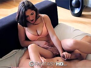 HD FantasyHD - Molly Janes face gets blasted with super soaker cum