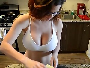 Amateur sluty MILF with big tits gets fucked and creampie