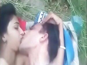 Bhabi gets fucked alfresco by BF